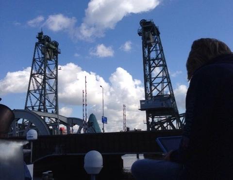 Uitgelezen Rotterdams: De Hef ziet alles